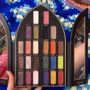 Kat Von D Makeup - SALE 🌑Saint and Sinner Kat Von D Eyeshadow Pale…
